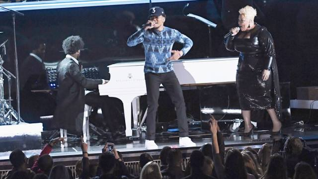 chance-performs-grammys-85e8705f-a147-40f3-81f1-df2bcf4455a9